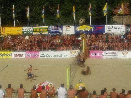 Letní pohár mužů a žen,souboj o 3 místo, japonský pár Hayato,Ogiwara - Plaga, Smejkal (19. - 21.7. 2002)