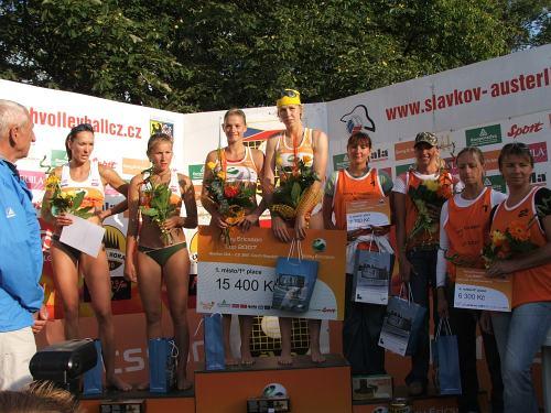 Sony Ericsson Cup 2007 - slavnostní ceremoniál - ženy (1. místo - Nováková - Šmídová, 2. místo Ryšavá - Petrová, 3. místo sestry Tychnovy, 4 místo Šotkovská - Zelinková