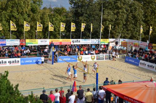 Mistrovství České republiky v beachvolejbalu 2013 - Dumek na smeči